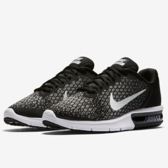 reputable site d3241 9d634 NIKE Women s Air Max Sequent 2 Running Shoes
